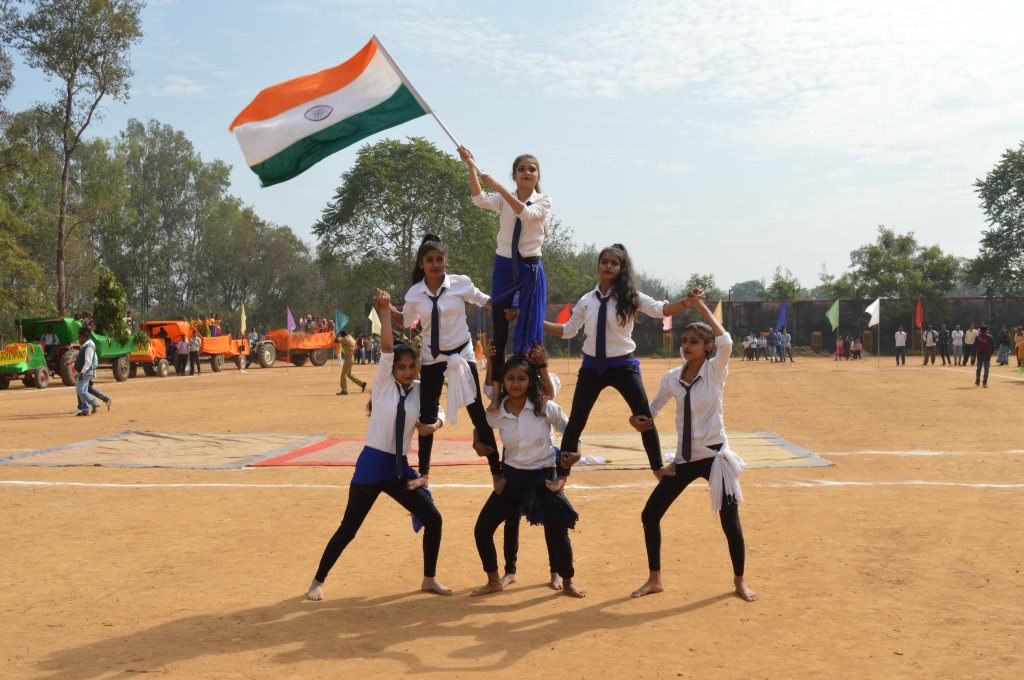 Chake De India Group Dance